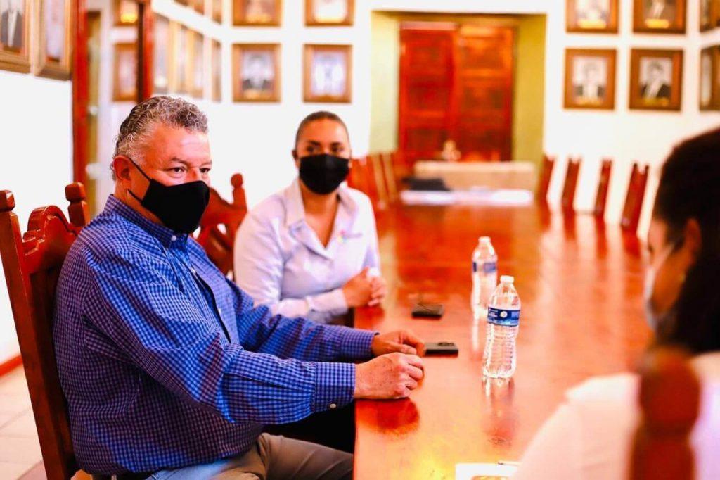 Juan Puente Morón sostuvo una reunión de trabajo con la Presidenta Municipal de Villa de Reyes, donde acordaron realizar acciones conjuntas.