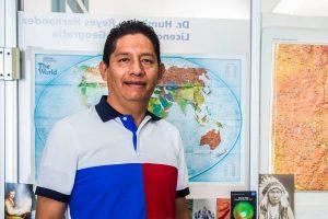 Porque las nuevas generaciones deben tener una visión distinta sobre el futuro que le depara al planeta y resulta fundamental desde secundaria: Reyes Hernández