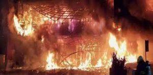 Incendio en edificio de Taiwan deja al menos 46 muertos
